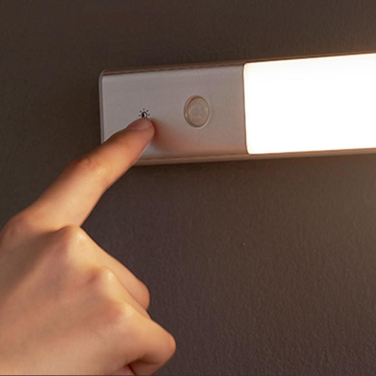 Фото 3 Сенсорный светильник EZVALO wireless sensor Warm Light 3500K (сьемная батарея)